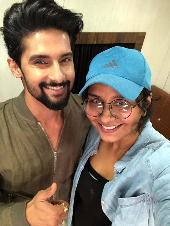 Ravi Dubey with Preetisheel Singh on the sets of Sabse Smart Kaun. (Image courtesy - Instagram)