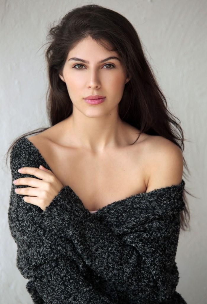 Elnaaz Norouzi. Pic 3.