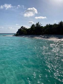 Feryna Wazheri's trip to Maldives (21)