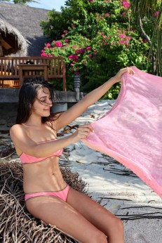 Feryna Wazheri's trip to Maldives (3)