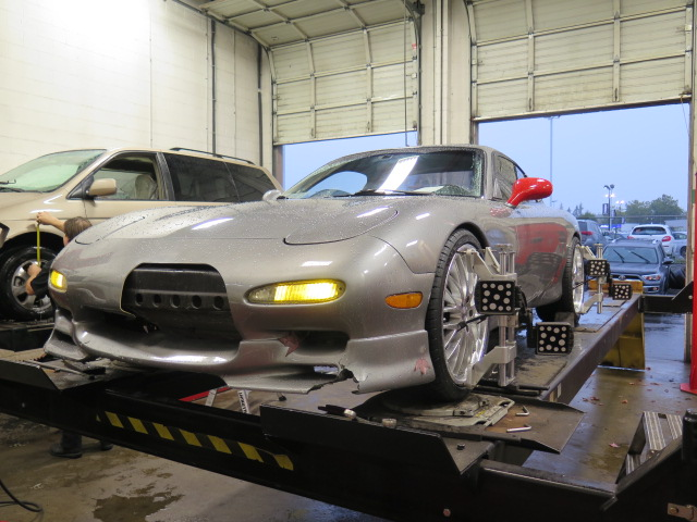 FD RX-7 in for an alignment at Dales Auto Service (1)