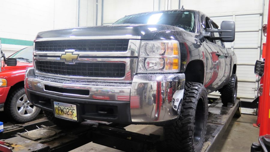 Silverado in for Leveling Kit, FOX 2.0 Shocks and Cognito Upper Control Arms