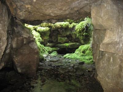 Bruntscar Cave: the hole behind the barn