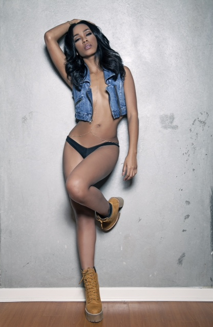 Raelynn photo by Mike Ho