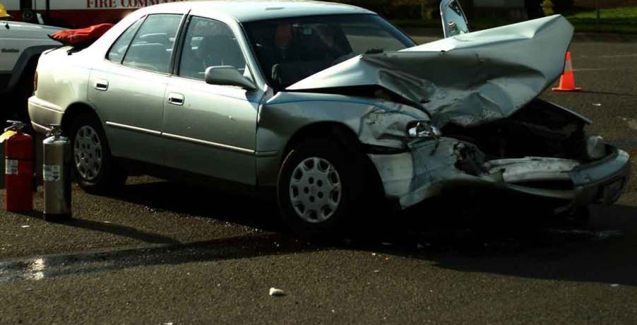 Serious damage from accident. Dallas driving while fatigued lawyer.