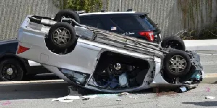 Flipped vehicle caused need for a brain trauma accident lawyer in Dallas
