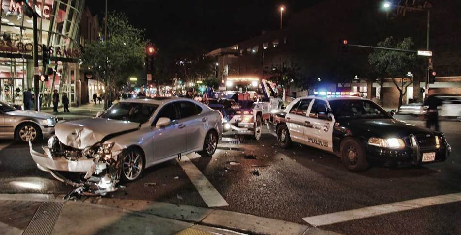 Auto accident in intersection. Post-traumatic arthritis lawyer in Dallas