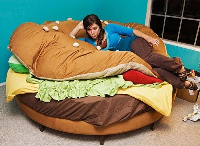 the-hamburger-bed-640x467