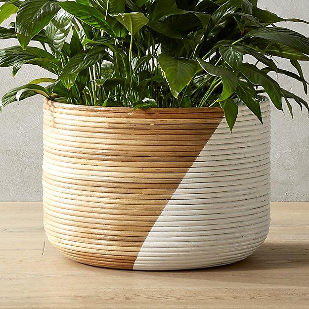 Round Ratan Planter