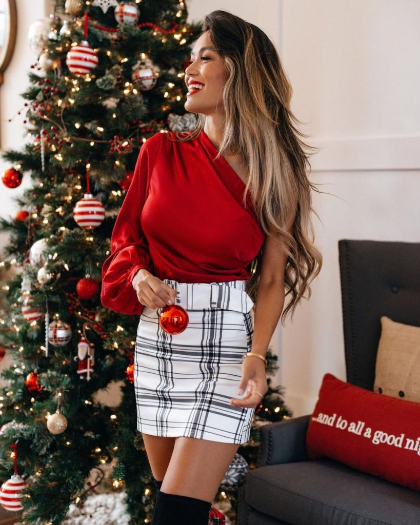 Finally, 10 Gorgeous Holiday Party Outfits To Look Bomb!