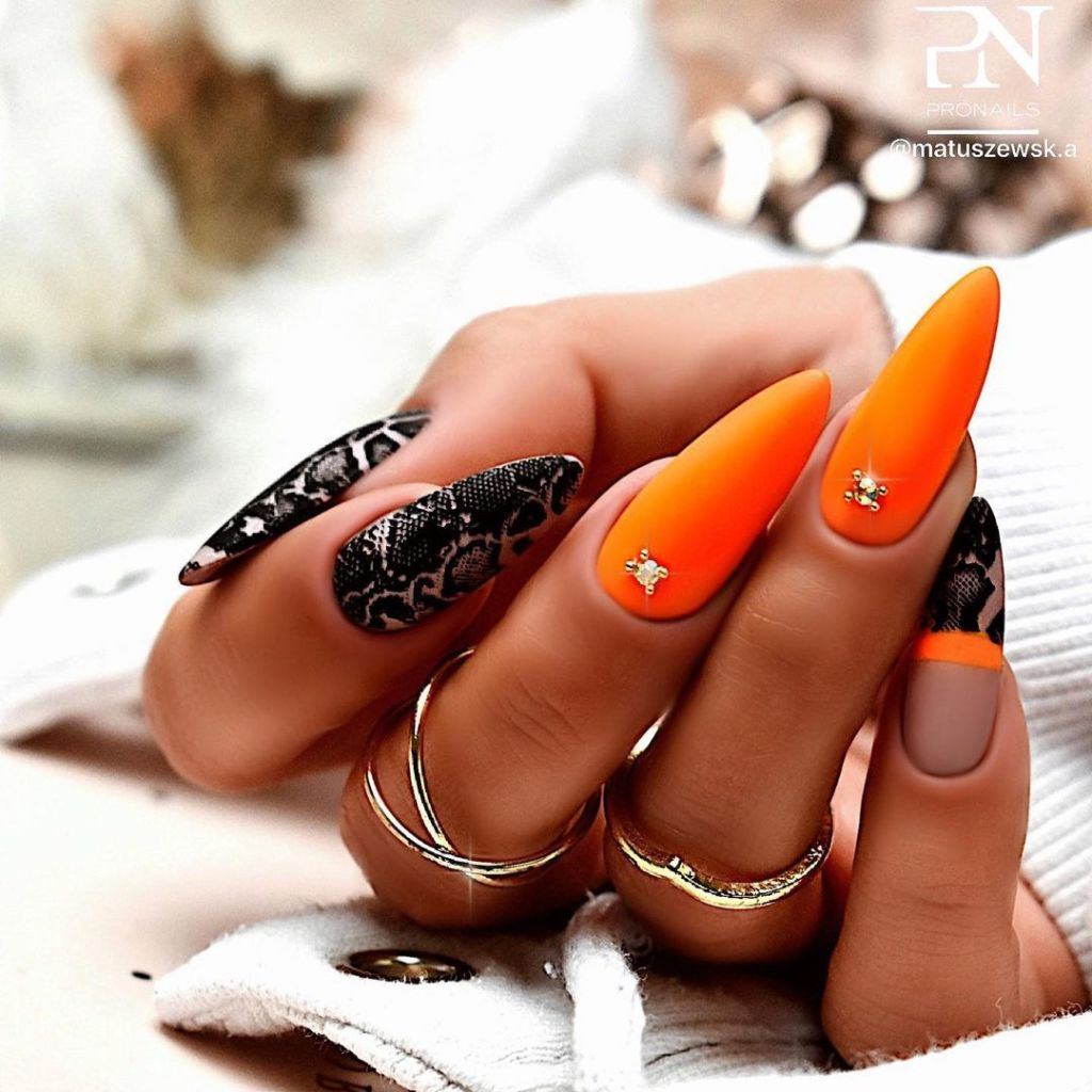 Steal These 20+ Cute Black Nail Designs For Gorgeous Hands