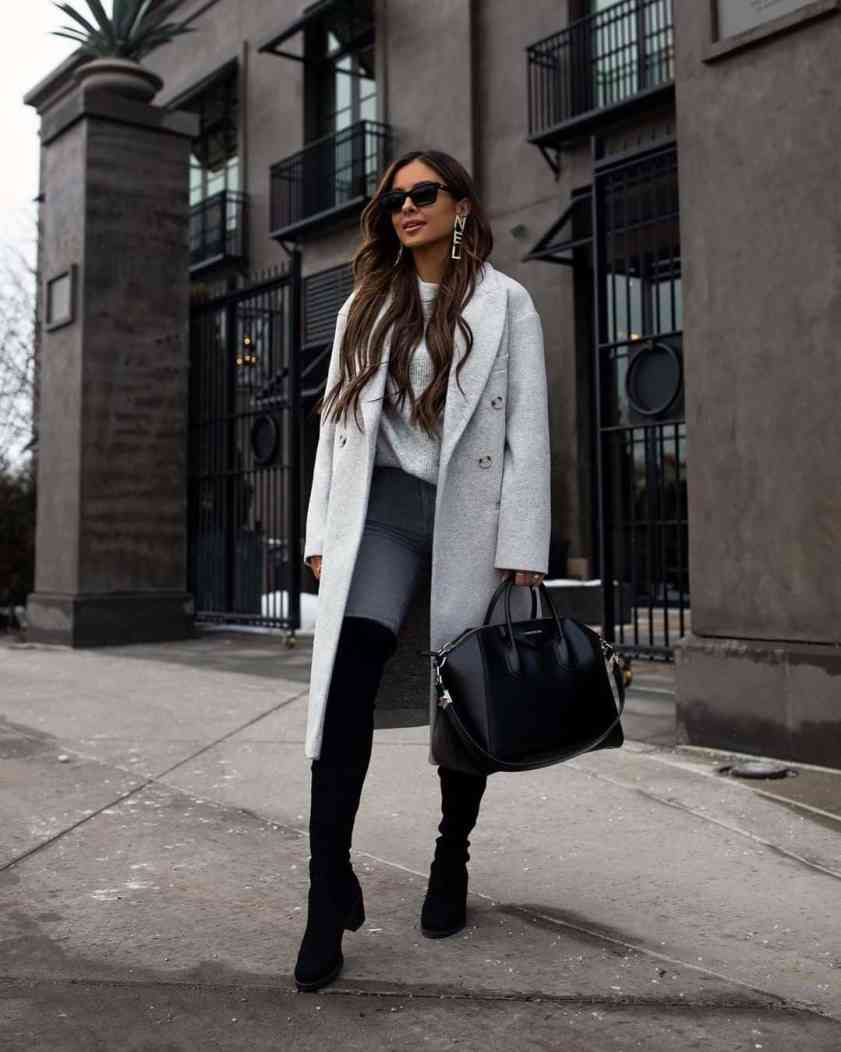 How To Hold Your Handbag Like A Lady With Class