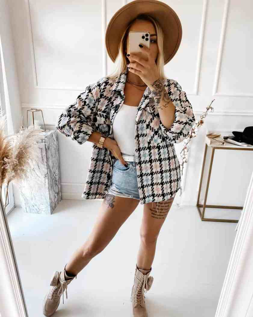 Cute Shorts Outfits To Show Some Leg & Still Look Stylish