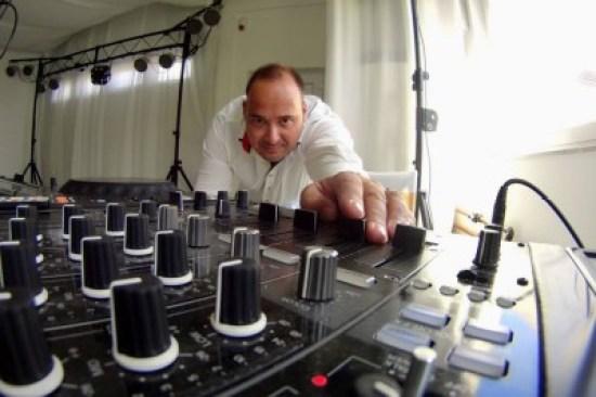DJ-Mono-potmeterek-kozott