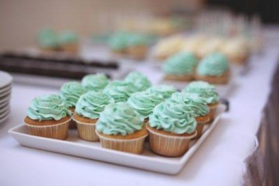 candy-bar-muffin-eskuvo-menta-foto-szabo-balazs