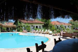 dalyan-otelleri-swimming-pool-riverside-hotel-2