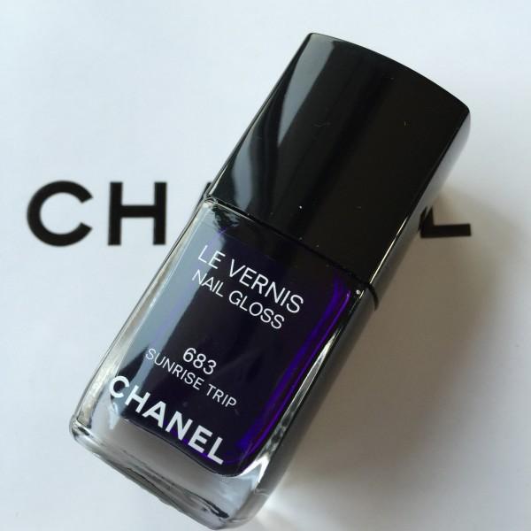 Chanel Le Vernis Sunrise Trip swatch review dalybeauty