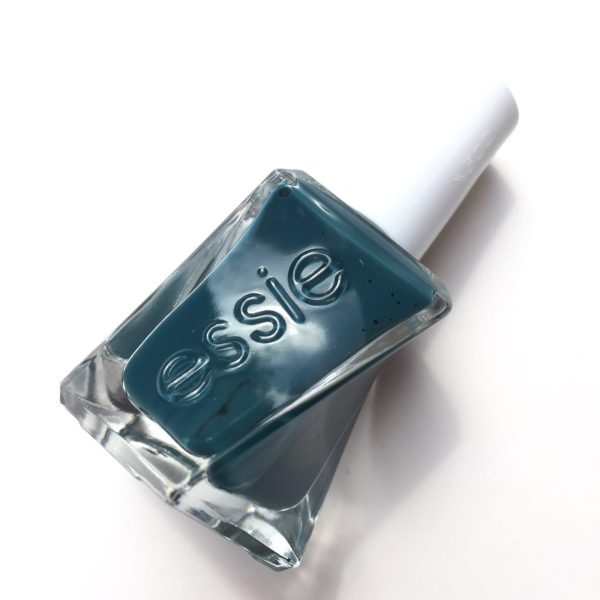 essie_gel_couture_off duty style_bottle