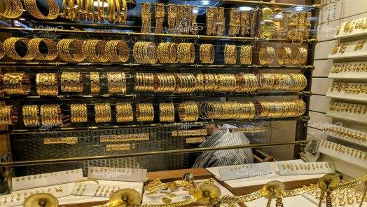 استقرار بسعر الذهب، وانخفاض طفيف في قيمة الليرة السورية
