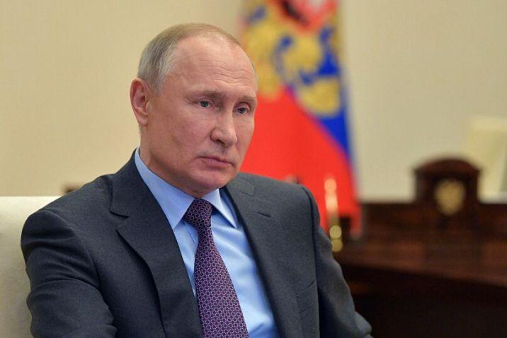 ابنته أول الملقحين.. بوتين يعلن تسجيل أول لقاح ضد فيروس كورونا في العالم