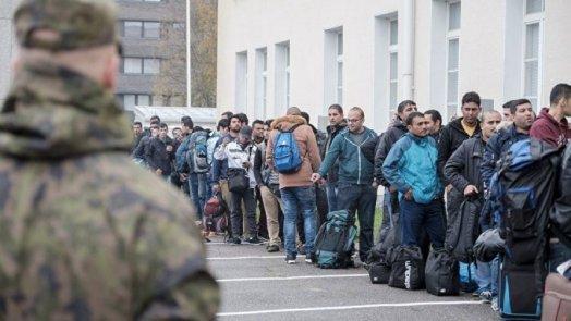 وزير ألماني يرفض استقبال لاجئين من اليونان بموجب الحصص الإضافية
