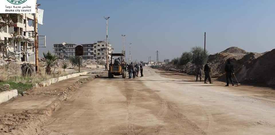 محافظة ريف دمشق تُعيد افتتاح طريق دوما- حرستا، والرابعة تُثبّت حواجزها