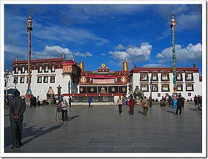 Jokhang_Temple_in_Tibet
