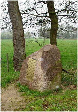 monument-den-ham-1