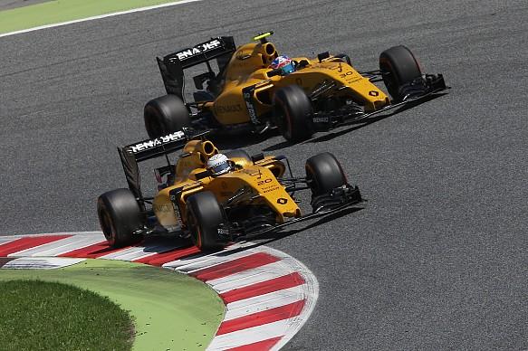 Kevin Magnussen, Jolyon Palmer, Renault F1 Spanish GP 2016