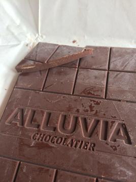 Alluvia Chocolatier Vietnamese Cacao Bean to Bar Milk Chocolate 40% Close-up