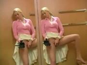 Alison Angel v jemné masturbaci