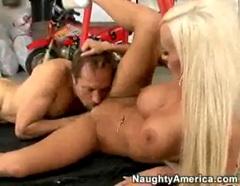 Lichelle Marie nabízí svoji kundičku