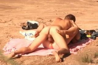 Amatérská soulož na pláži