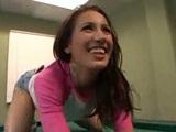 Sex Amia Miley na kulečníkovém stole