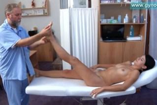 Česká dívka na gynekologii (Lucy)