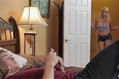 Bratr pomohl své sestře ukojit sexuální touhu