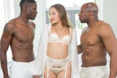 Dani Daniels a dva černoši (HD porno)