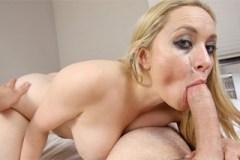 Deepthroat v podání blondýnky Aiden Starr