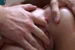 Dva pacienti opíchají anál sestřičce během vizity