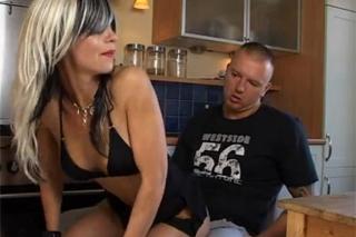 Muž píchá manželku svého nejlepšího kámoše