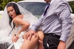 Nevěsta Victoria Blaze mrdá s řidičem limuzíny (HD porno)