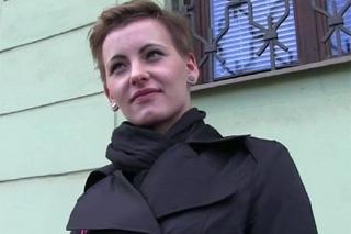 Rychlý prachy aneb Public Agent v českých ulicích (Bella)