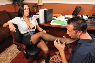 Šéfka Vanilla Deville: Kancelářský sex s uklízečem