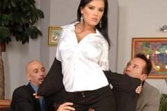 Sekretářka se musí kurvit s důležitým klientem firmy
