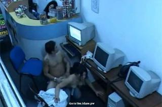 Tajný amatérský sex v internetové kavárně
