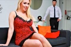 Šéfová Victoria Summers otestuje penis nového zaměstnance!