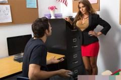 Přísná učitelka Madison Ivy souloží se svým studentem