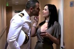 Vášnivá Angell Summers šuká s kapitánem lodi v podpalubí!