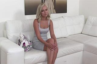 FakeAgent a 23letá česká modelka Nikka Rose