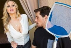 Americká milf nabídne kamarádovi syna práci i sex! (Julia Ann a Tyler Nixon)